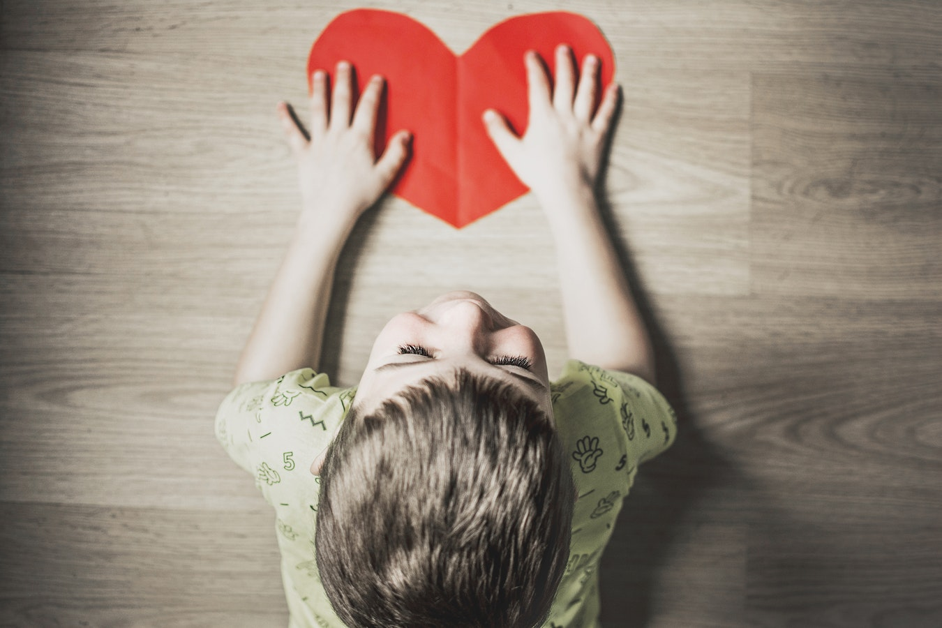 4-easy-ways-to-build-your-childs-self-esteem-with-your-words